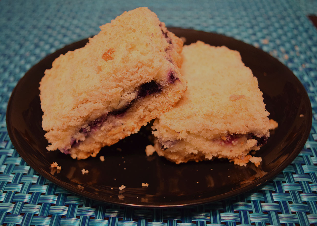 Blueberry and cream bar cookies with crumble on top