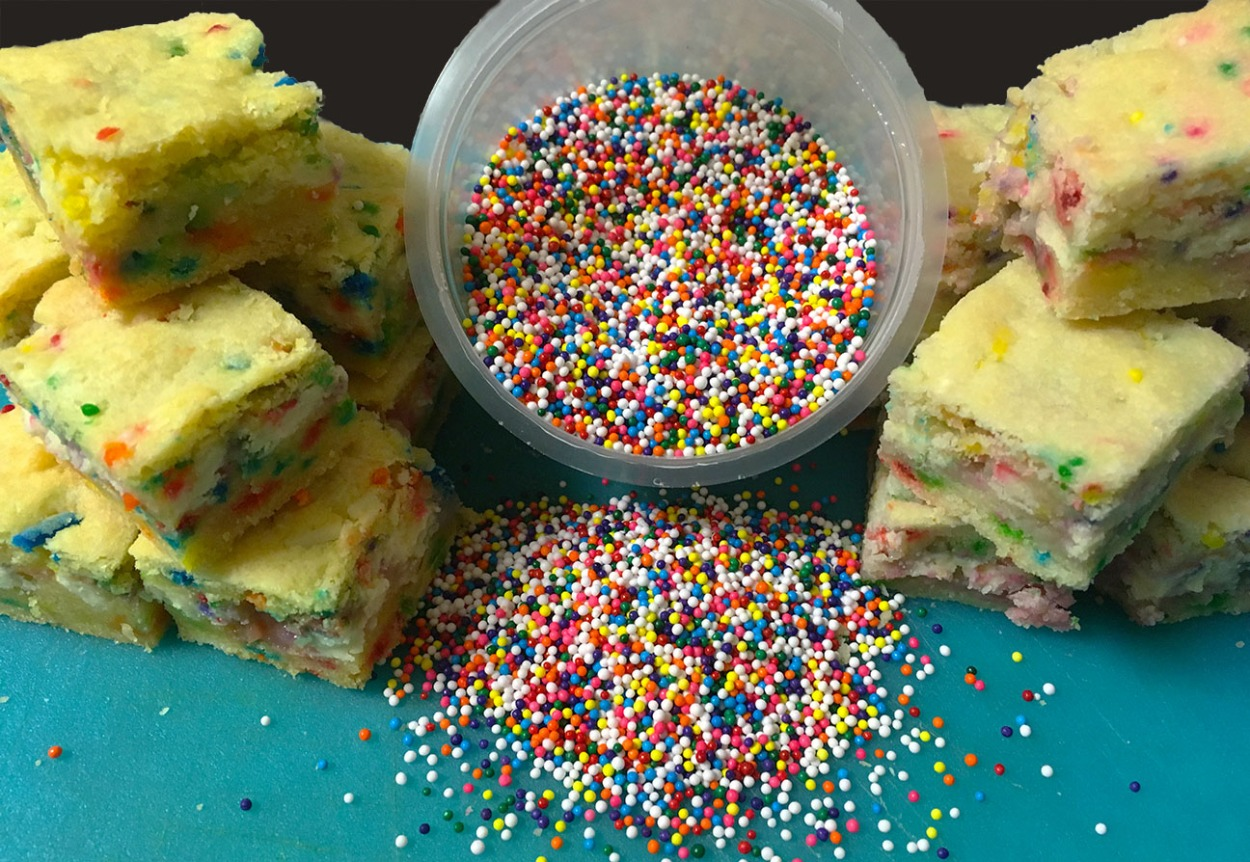 Funfetti sprinkles gooey bar cookies