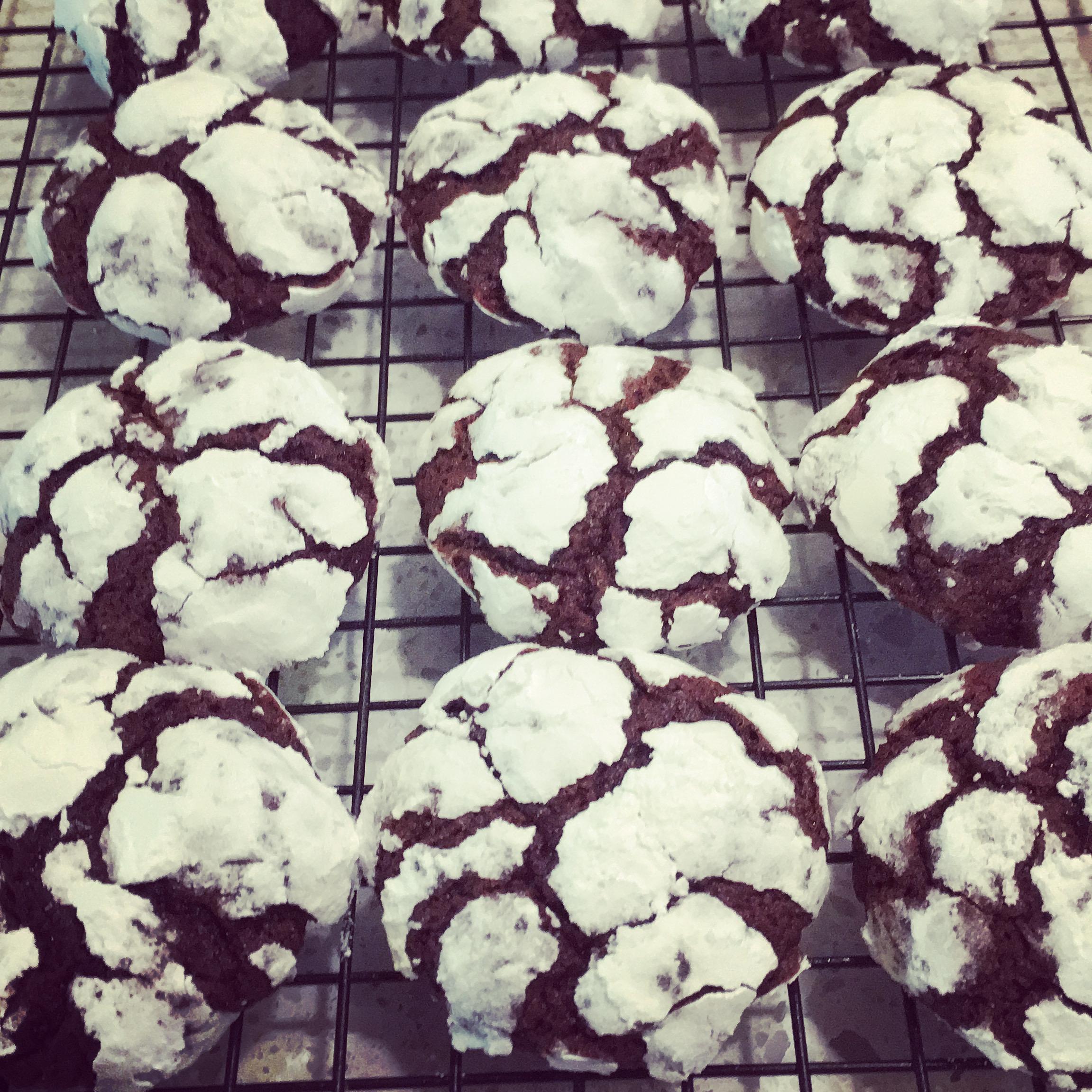 Chocolate Brownie Crinkle Cookies